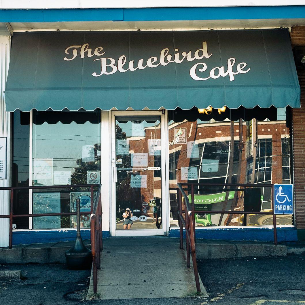 the blueebird cafe nashville destination wedding